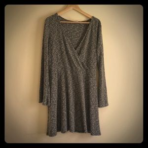 MOSSIMO 70s STYLE SWEATER DRESS